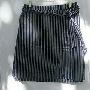 Lane& Bryant Navy Blue& White Skirt Size 28
